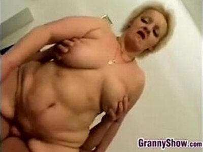 chubby  doggy  grandma   porn video